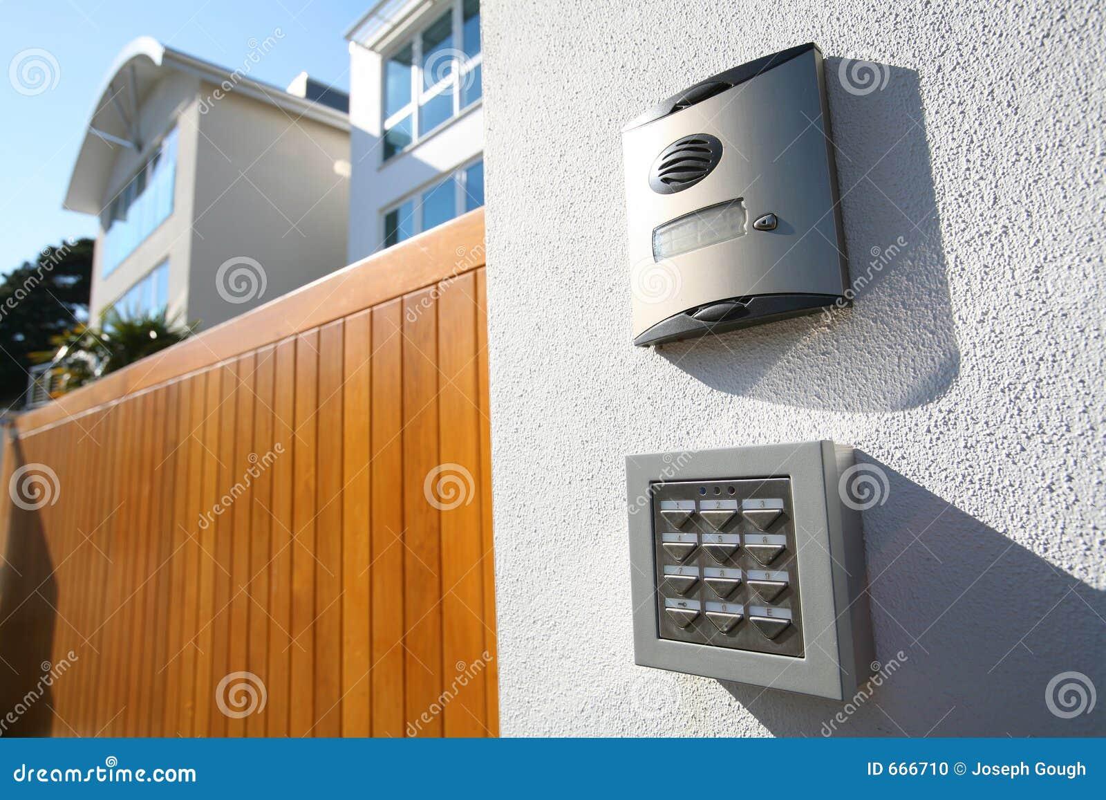 House Call Gate Answer Speaker