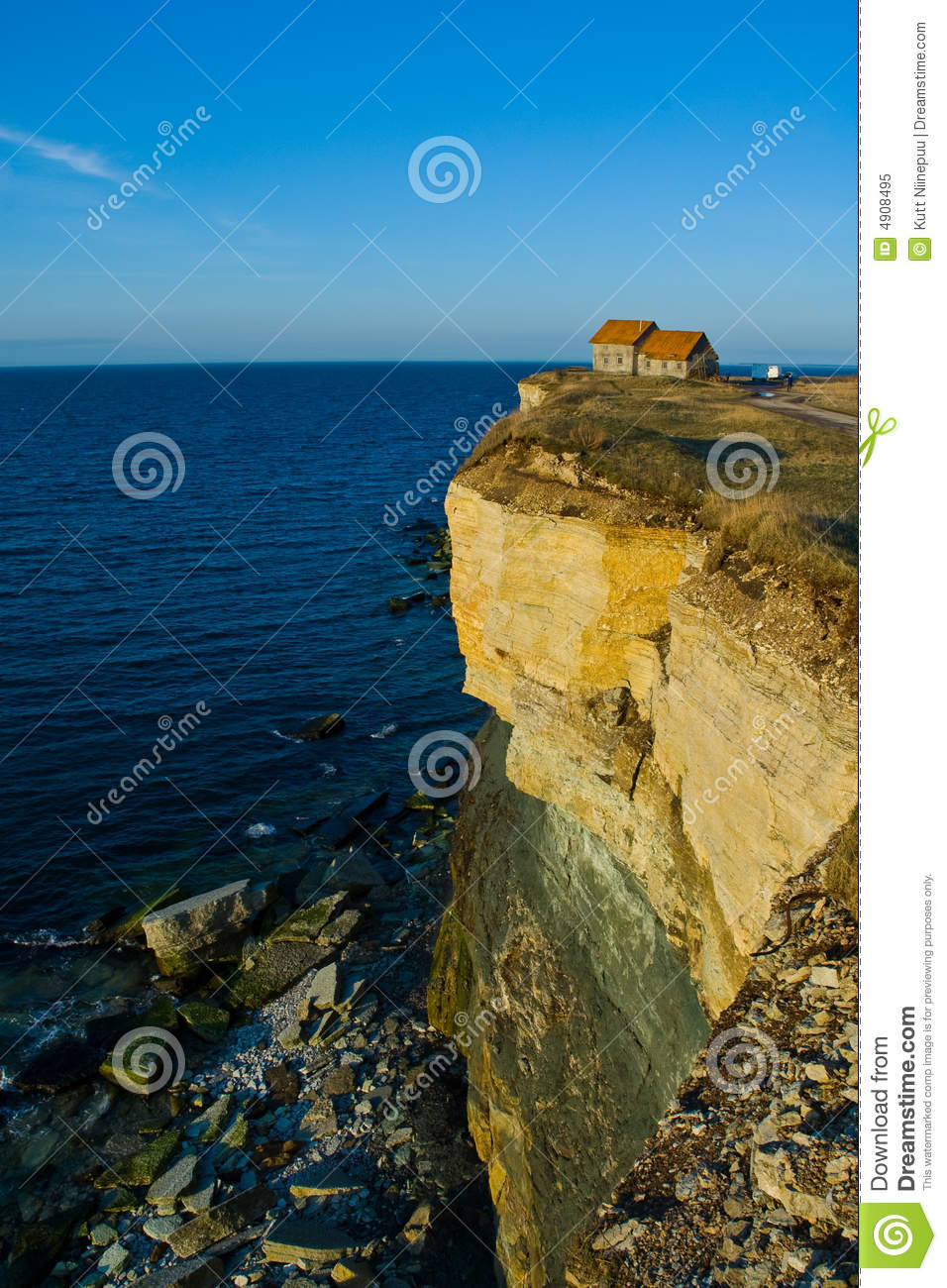 house on cliff edge stock image  image of ocean  dwelling