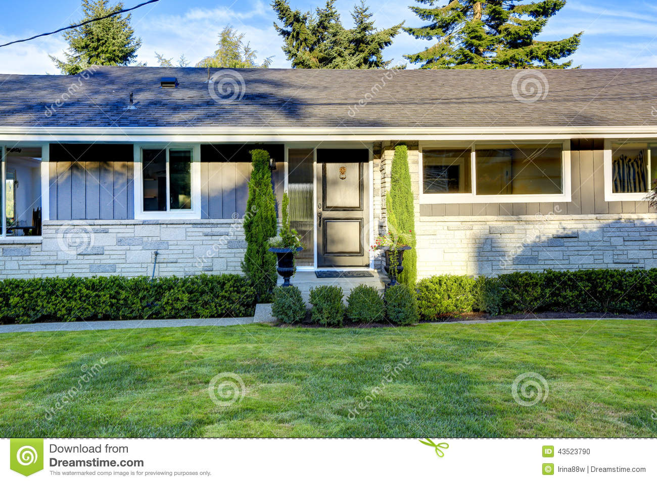 One Story House Plans With Porch House Entrance Porch With Curb Appeal Stock Photo Image