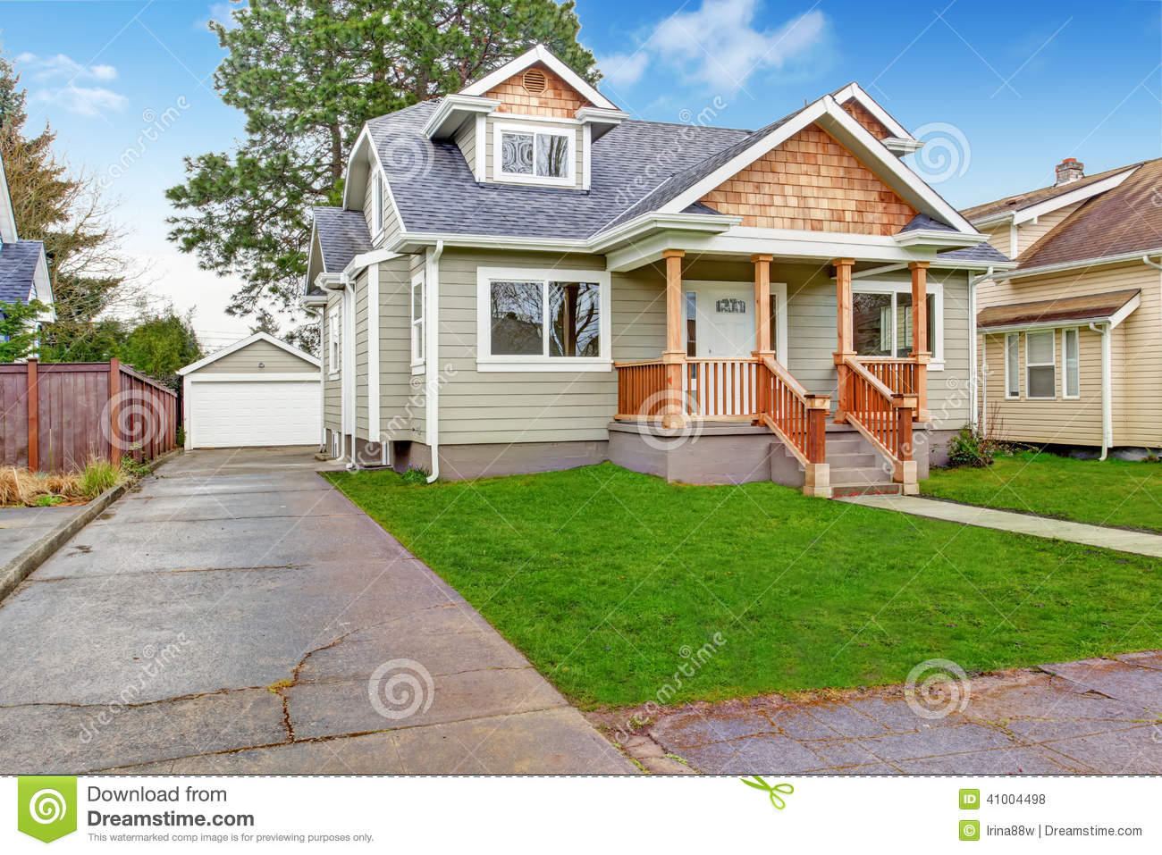 House exterior front porch and garage view stock photo for Front look of small house