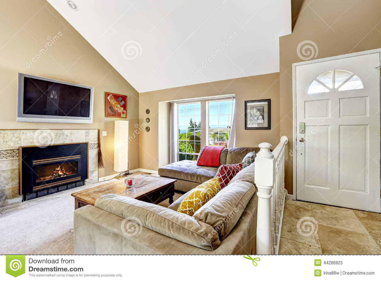 House Interior With High Vaulted Ceiling Living Room Firep Stock
