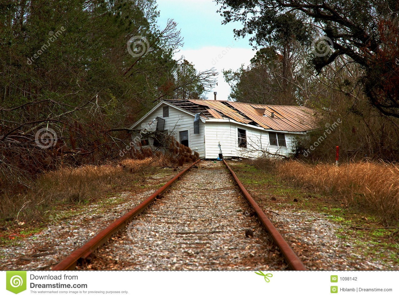 Railroad house house on railroad tracks stock for Classic underground house tracks