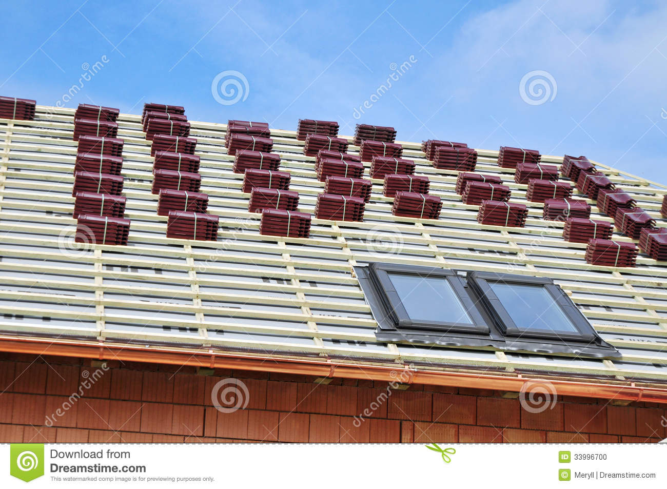 House roof construction stock photo image 33996700 for New roof design