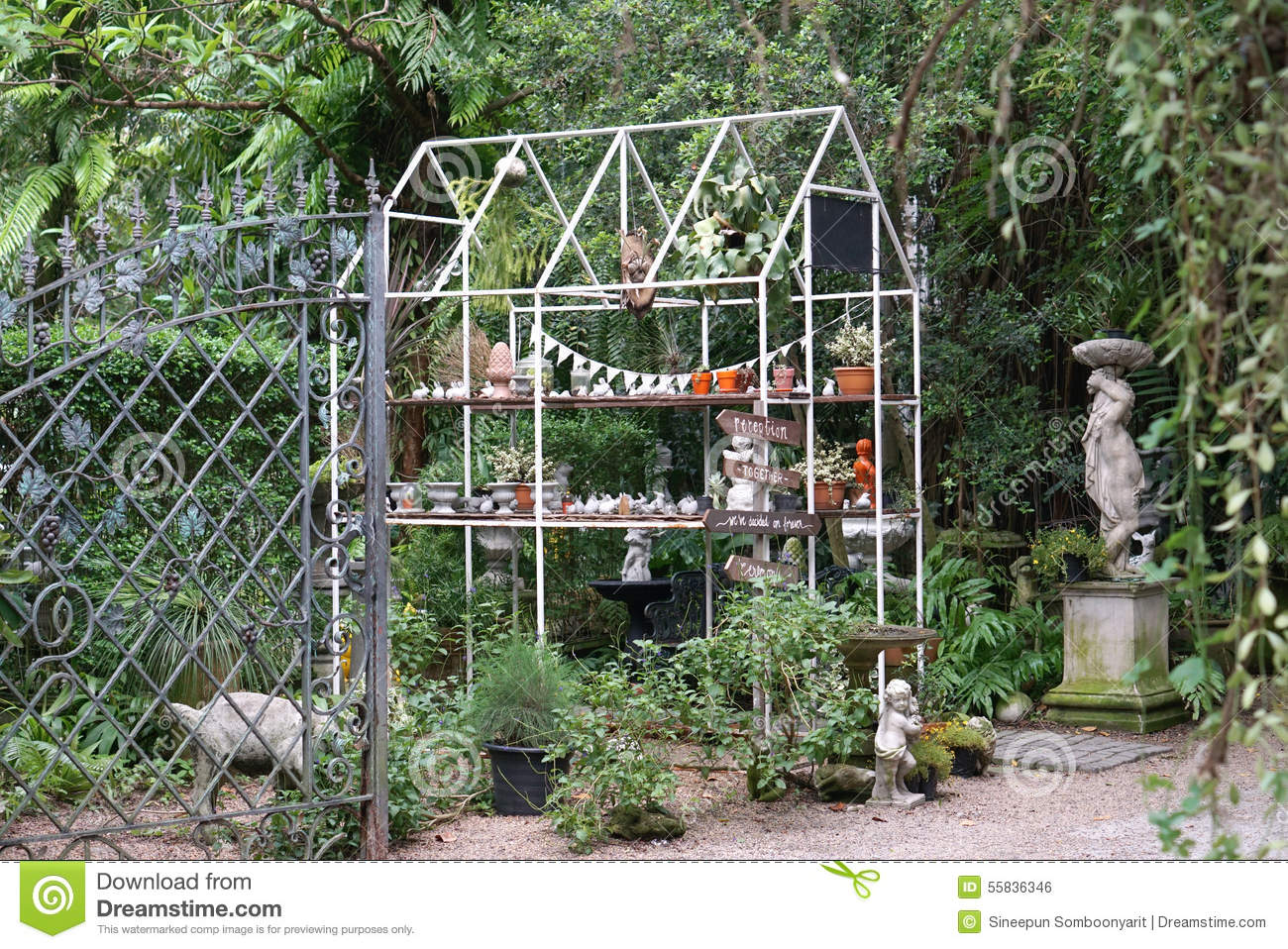 House Shape Metal Truss Structure In The English Garden
