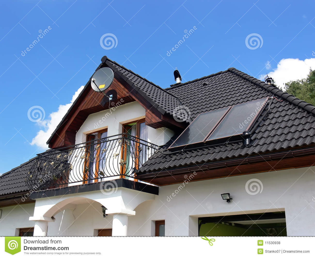 House With Solar Panels Royalty Free Stock Photos Image