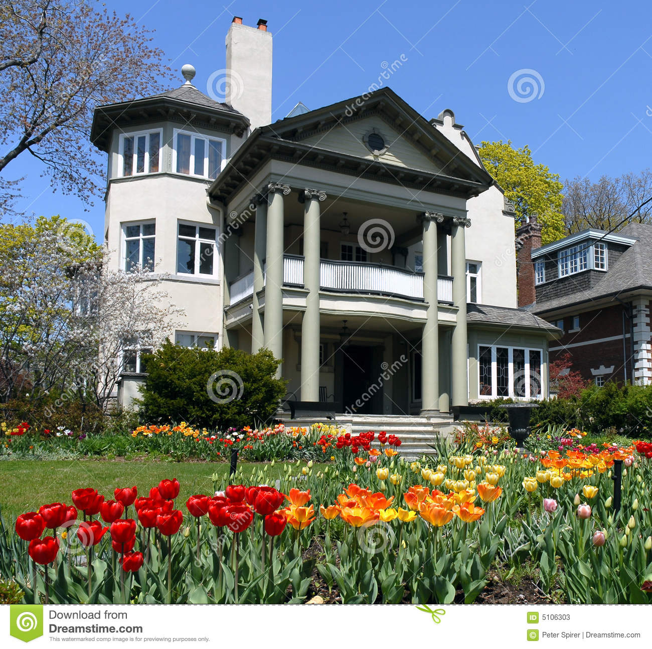 House With Spring Flowers Stock Image Image Of Steps