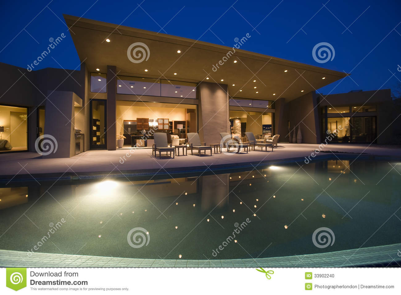 Mansion with pool at night  House With Swimming Pool At Night Stock Photo - Image of america ...