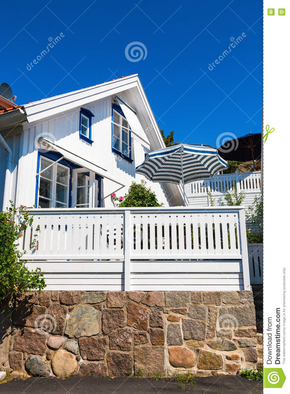 House terrace stock photo image 70686277 for Terrace white
