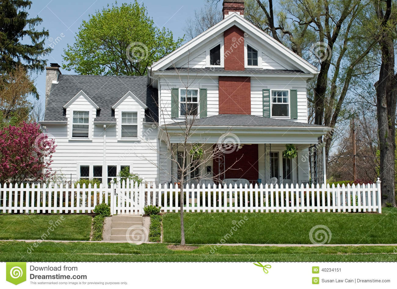 house with white picket fence stock photo image 40234151. Black Bedroom Furniture Sets. Home Design Ideas