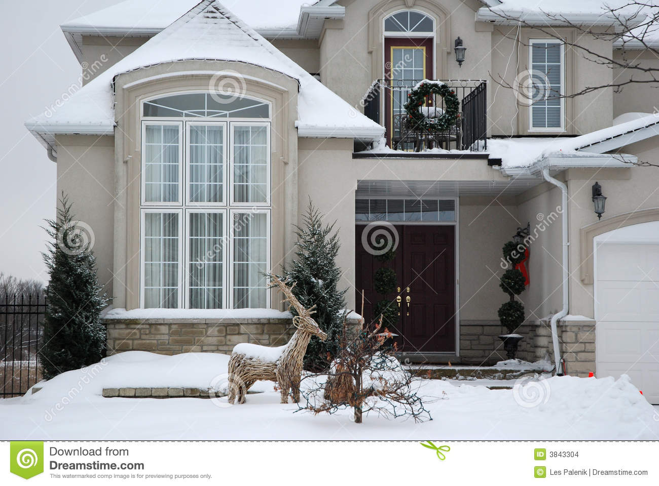 House in winter christmas stock images image 3843304 - Temperature maison hiver ...
