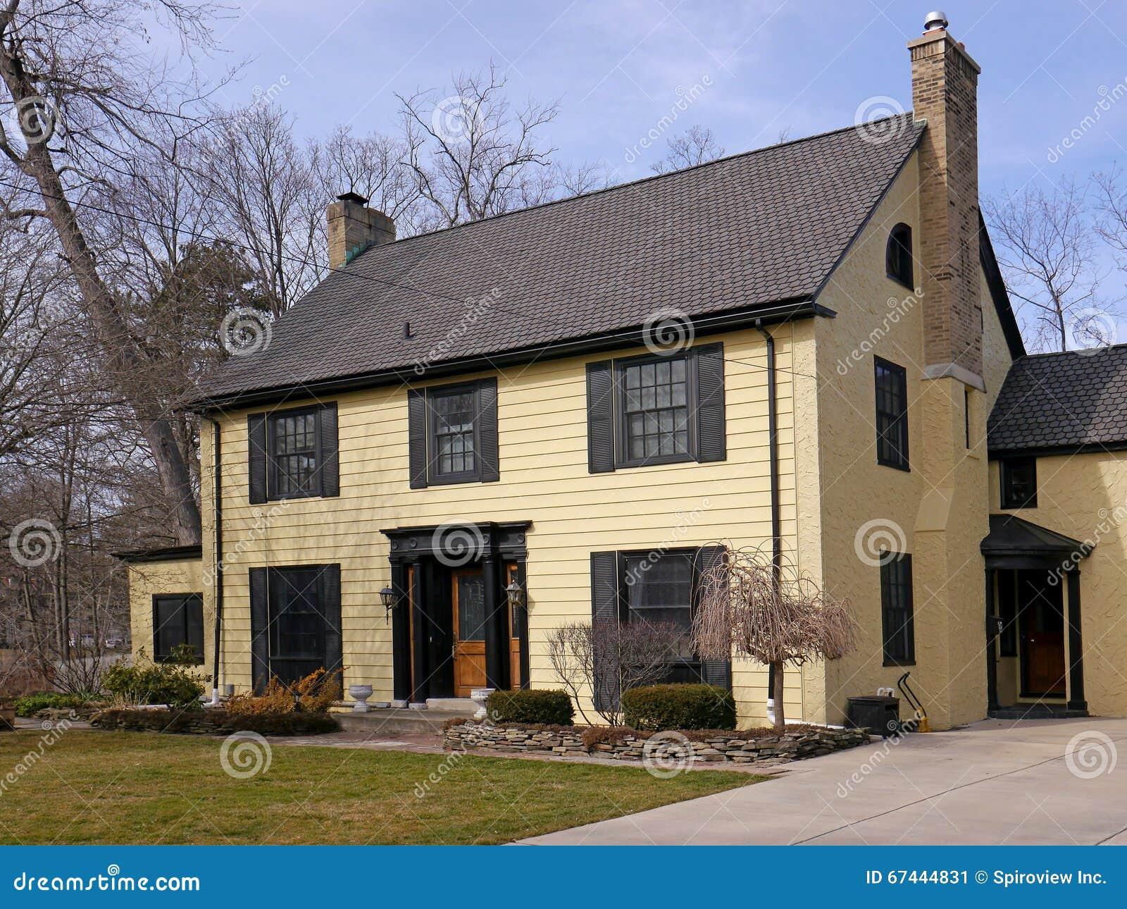House With Yellow Siding Stock Image Image Of Large