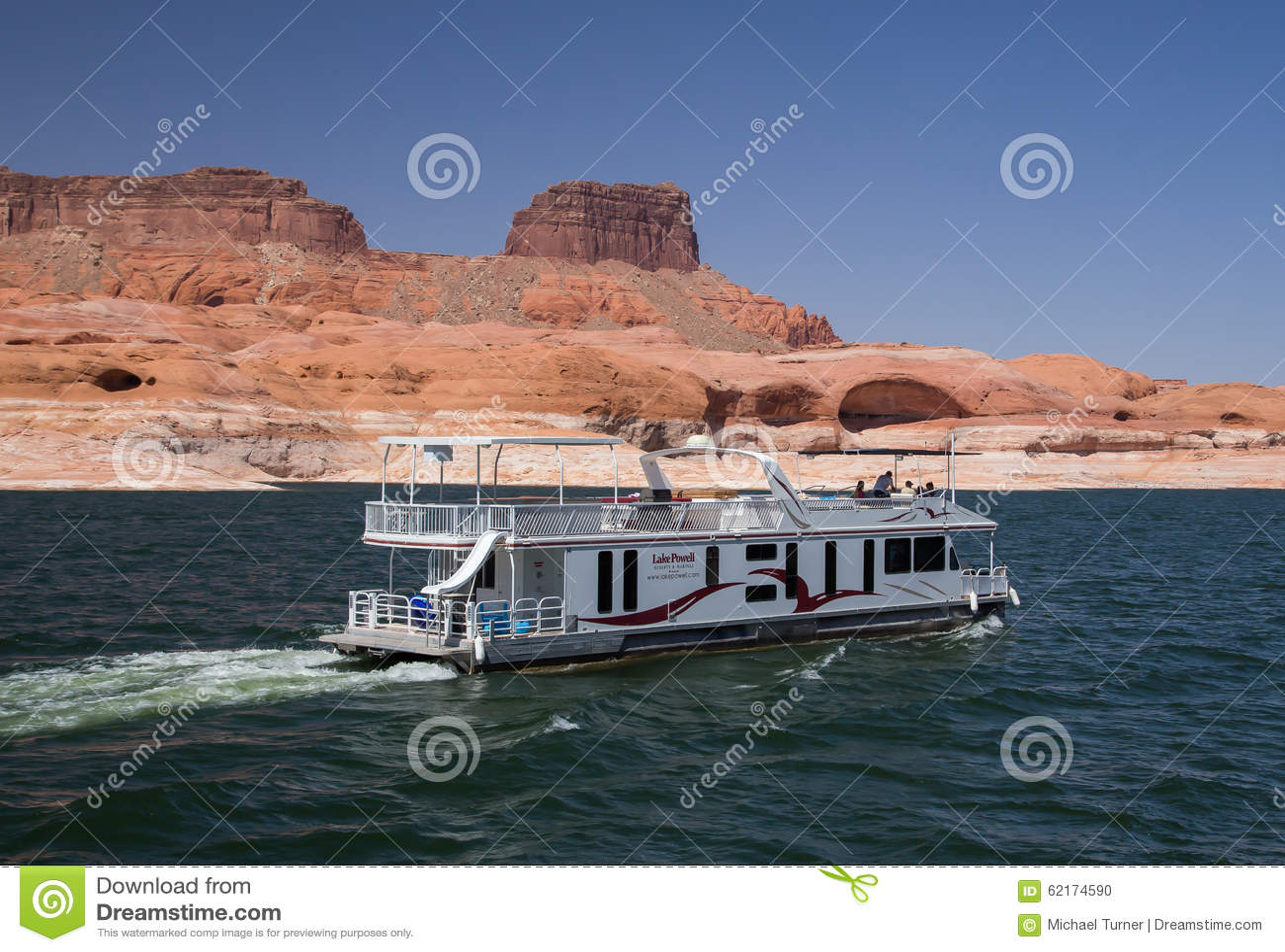 Houseboat On Lake Powell Editorial Image Image Of Pleasure 62174590