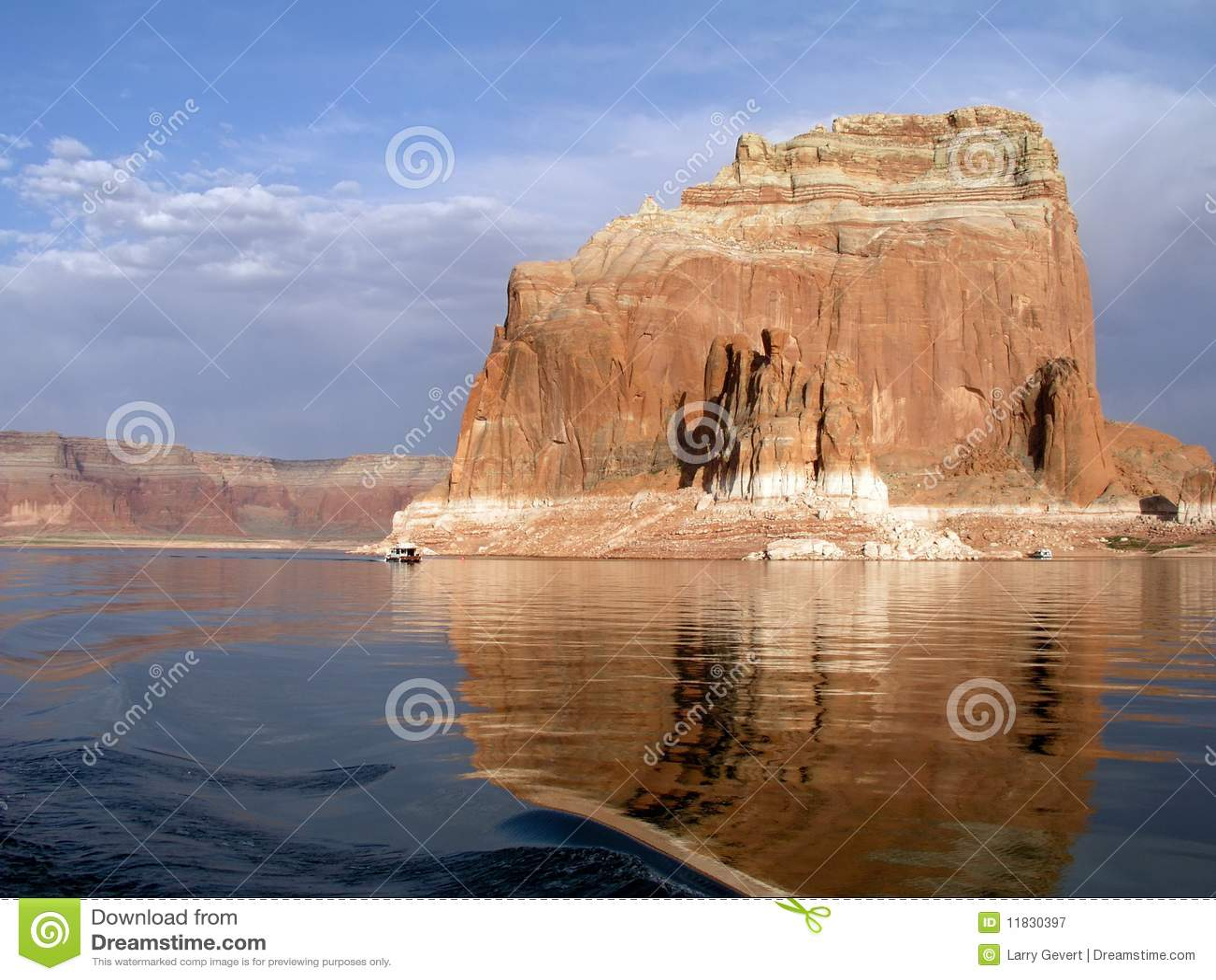 Houseboats At A Monolith At Lake Powell Royalty Free Stock Photography - Image: 11830397