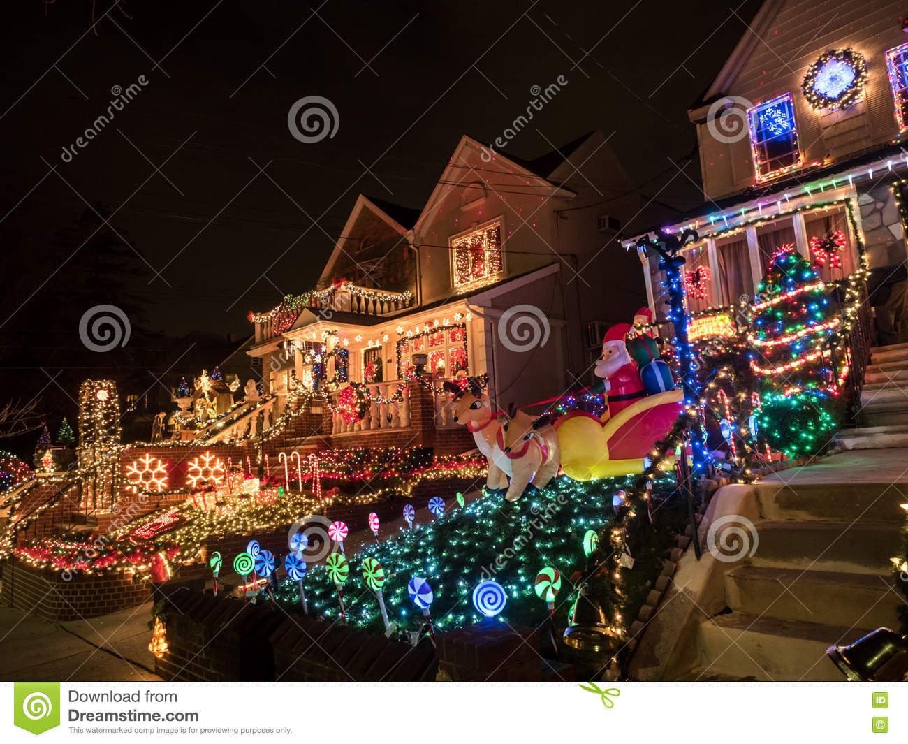 Dyker Heights Brooklyn Christmas Lights.Houses With Christmas Lights Dyker Heights New York
