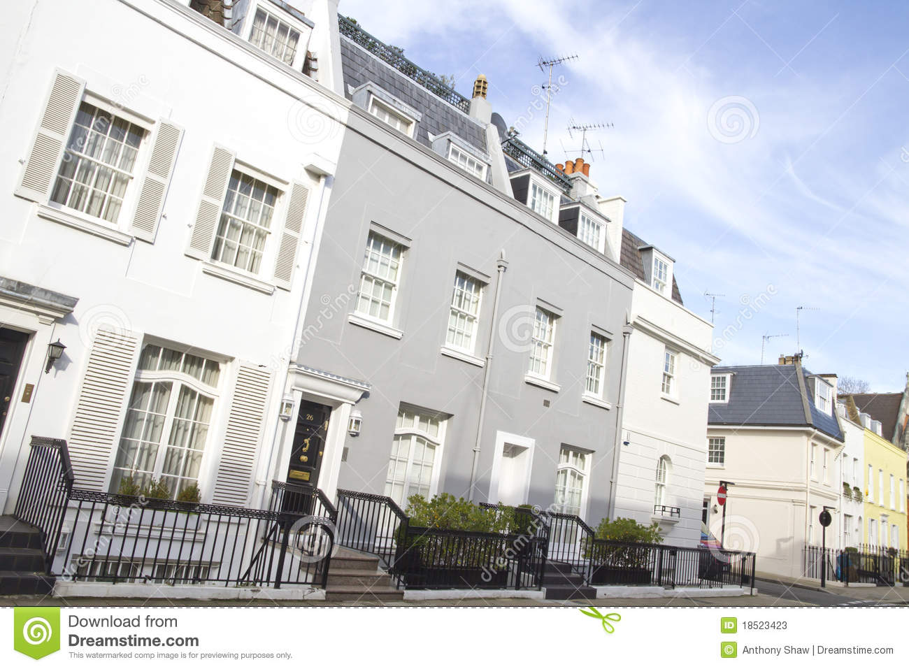 Houses in knightsbridge london stock photos image 18523423 for Knightsbridge homes