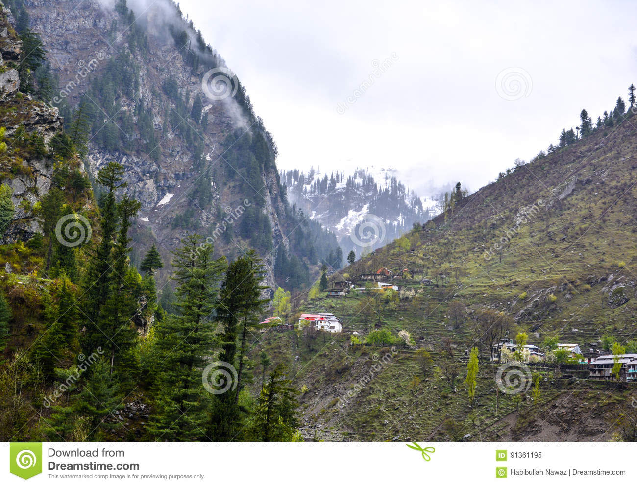 Most Beautiful Mountain Homes: Houses On Mountain In Naran Kaghan Valley, Pakistan Stock