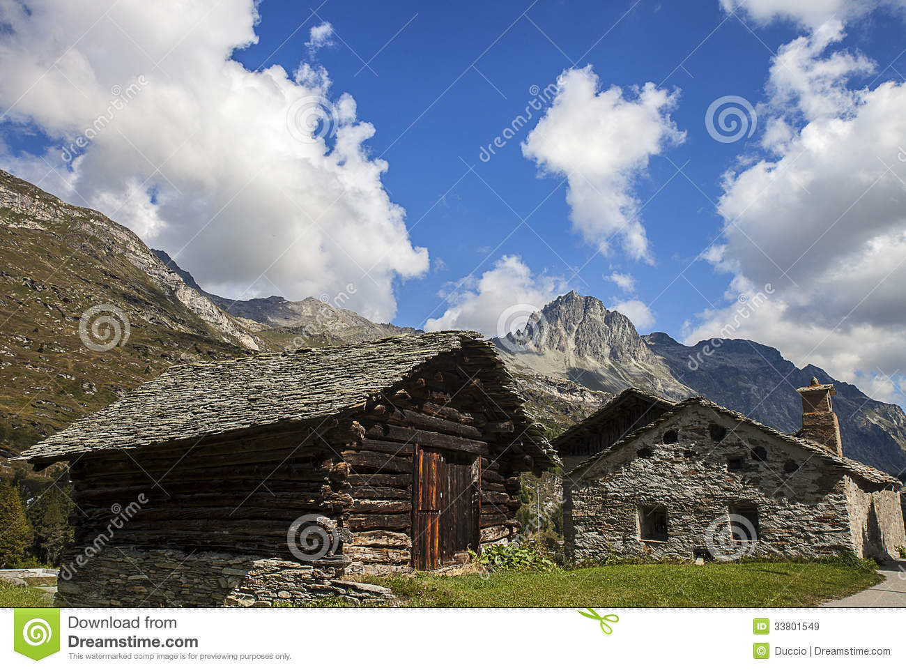 Houses in the mountains royalty free stock images image 33801549 - Summer houses mountains ...