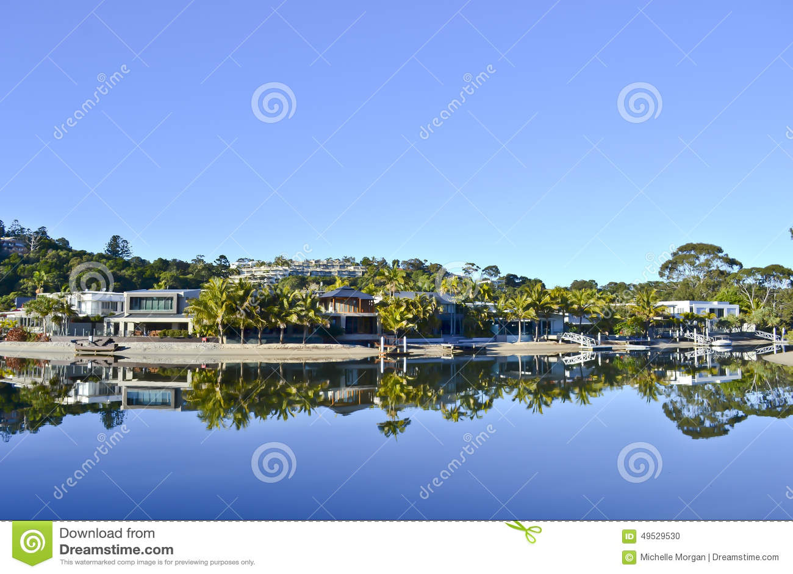 Download Houses On The Noosa River, Noosa Sunshine Coast, Queensland, Australia Editorial Image - Image of peace, lake: 49529530