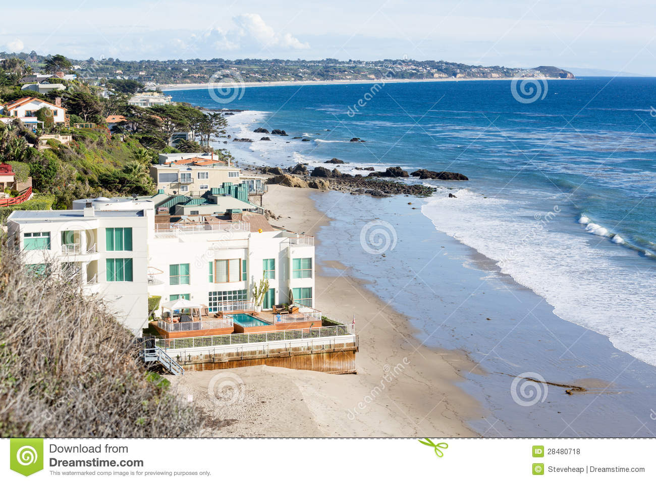 Houses by ocean in malibu california royalty free stock for Modern houses in california