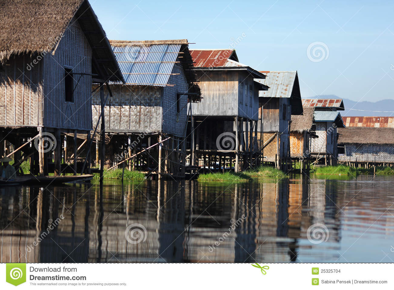 Houses on stilts in floating village of myanmar stock for Lake house plans on stilts