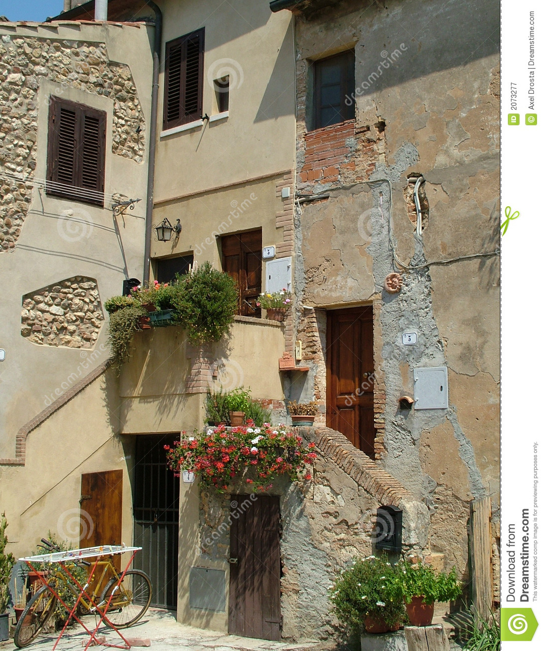 Houses in tuscany royalty free stock photography image for Houses in tuscany