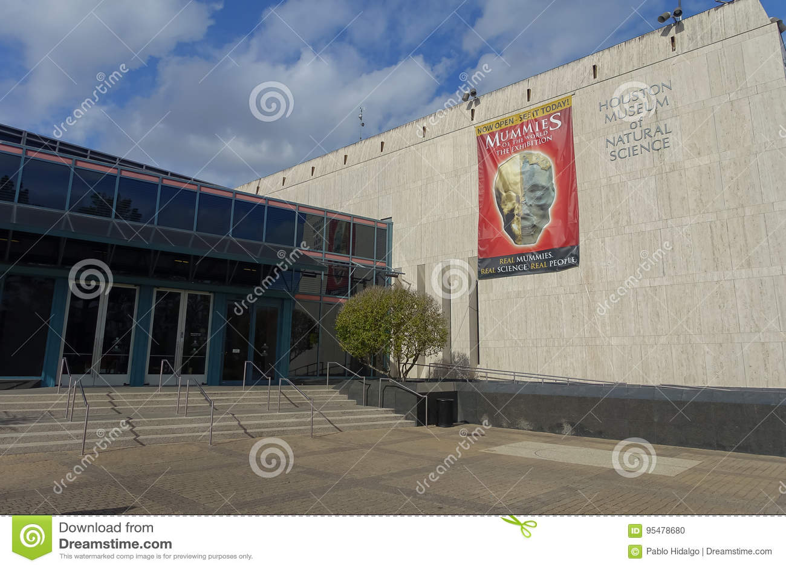 HOUSTON, LOS E.E.U.U. - 12 DE ENERO DE 2017: Visión desde fuera del edificio en el Museo Nacional de la ciencia natural en Orland