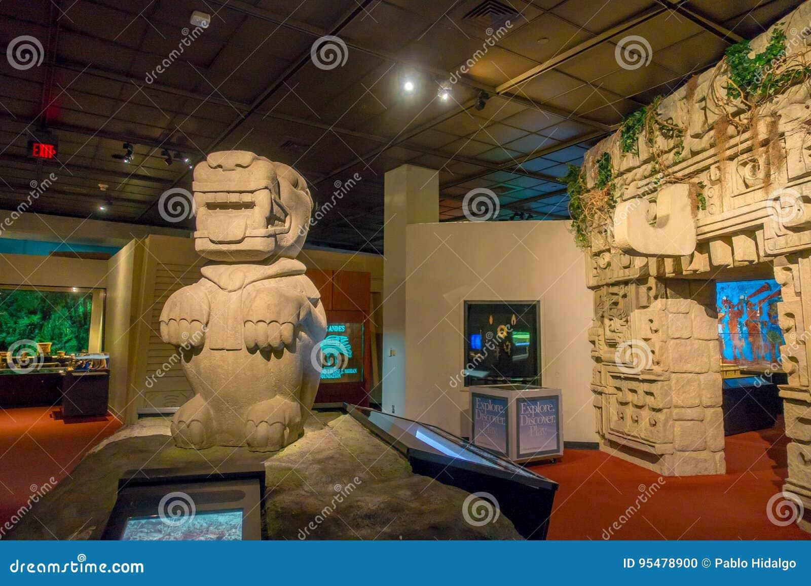 HOUSTON, usa - STYCZEŃ 12, 2017: Indiańska sztuka z strefy majowia strukturami wśrodku muzeum narodowego Naturalna nauka