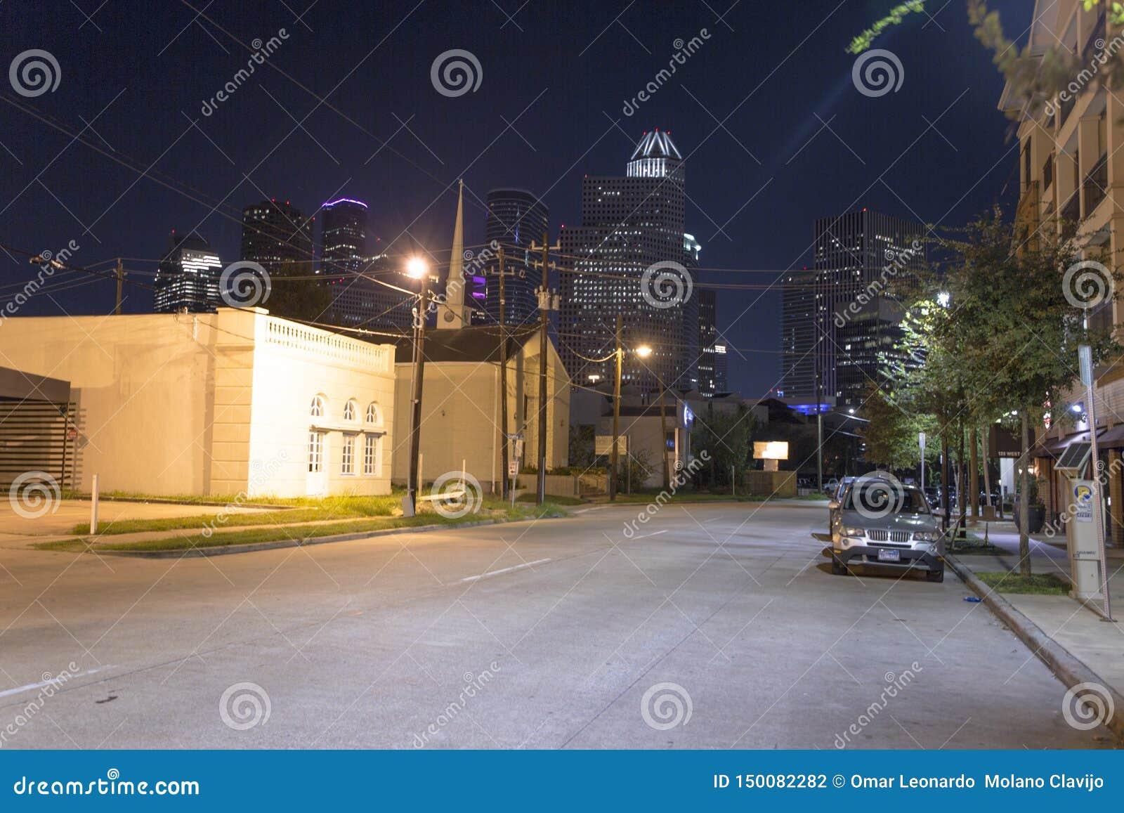 Houston van uit het stadscentrum bij nacht