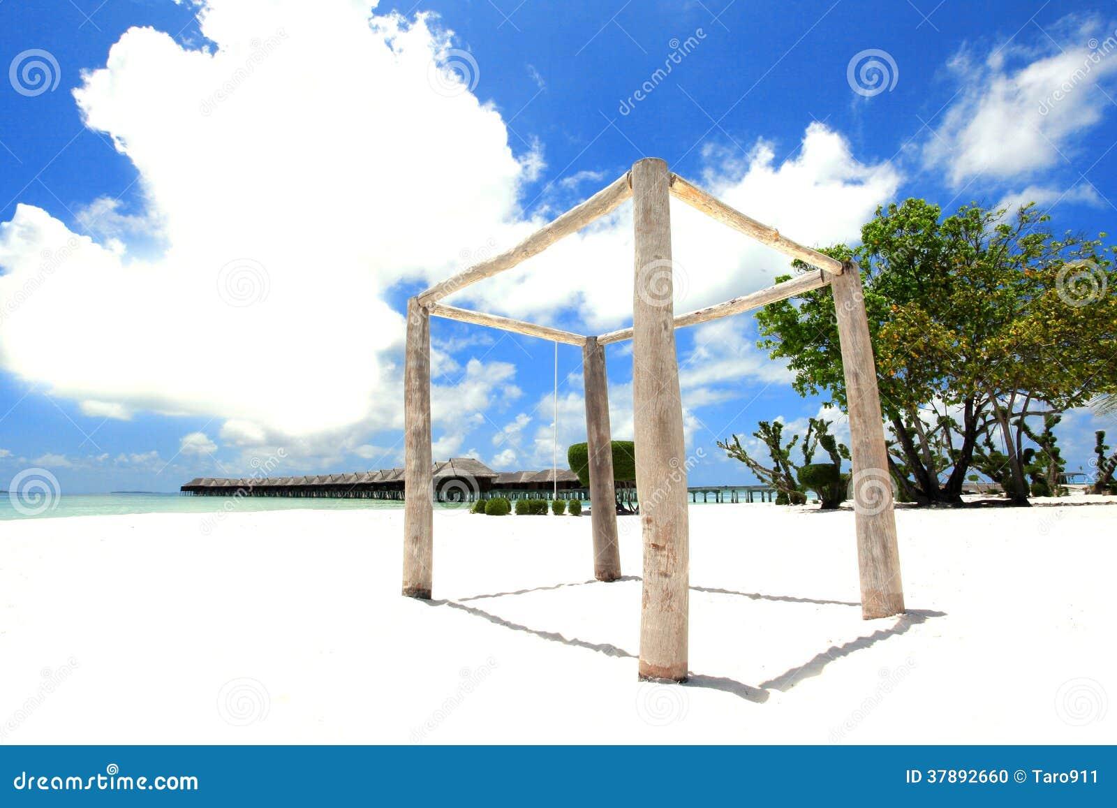 Hout structre met overwatervilla s