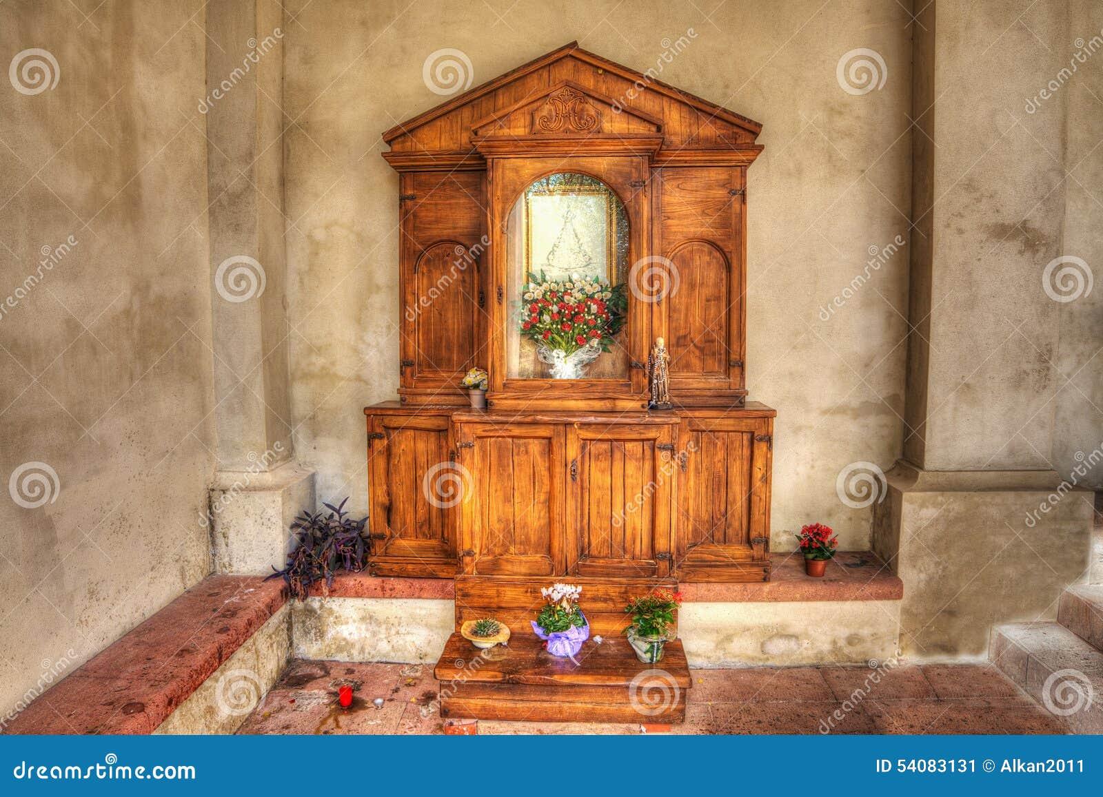 Houten altaar in een Italiaanse kerk