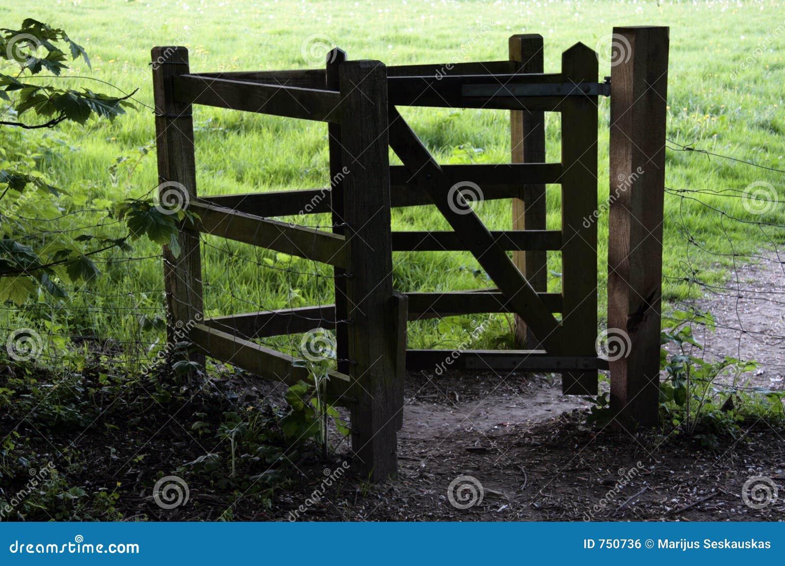 Houten het kussen poort