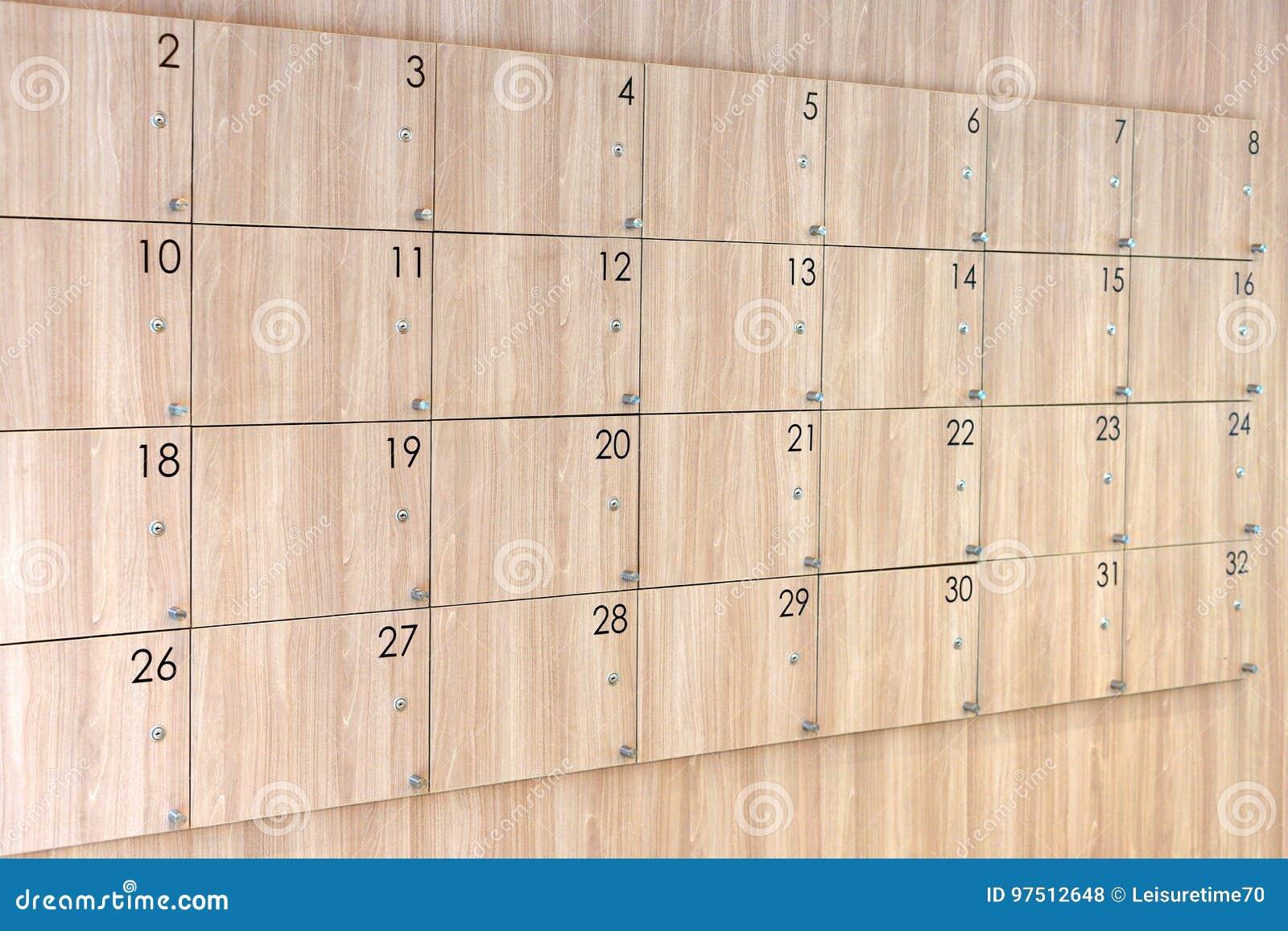 Houten Kast Met Aantal Stock Foto Afbeelding Bestaande Uit