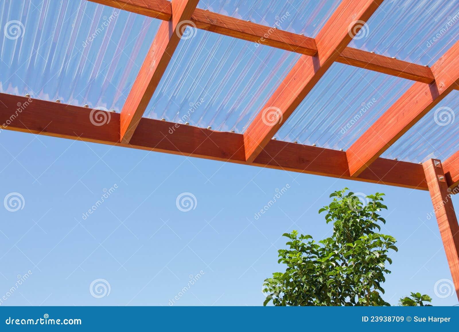 Houten pergola tegen blauwe hemel royalty vrije stock afbeeldingen afbeelding 23938709 - Latwerk houten ...