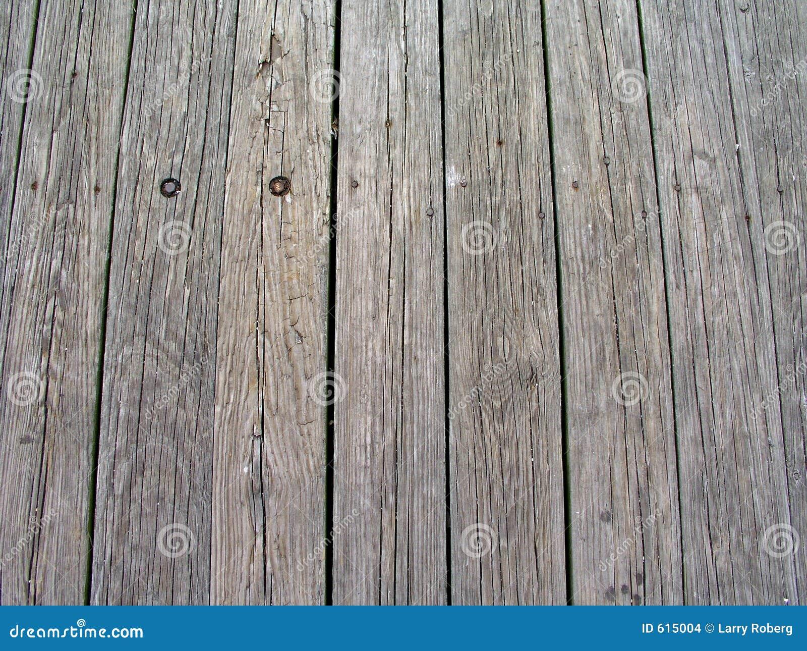 Houten planken in pijler
