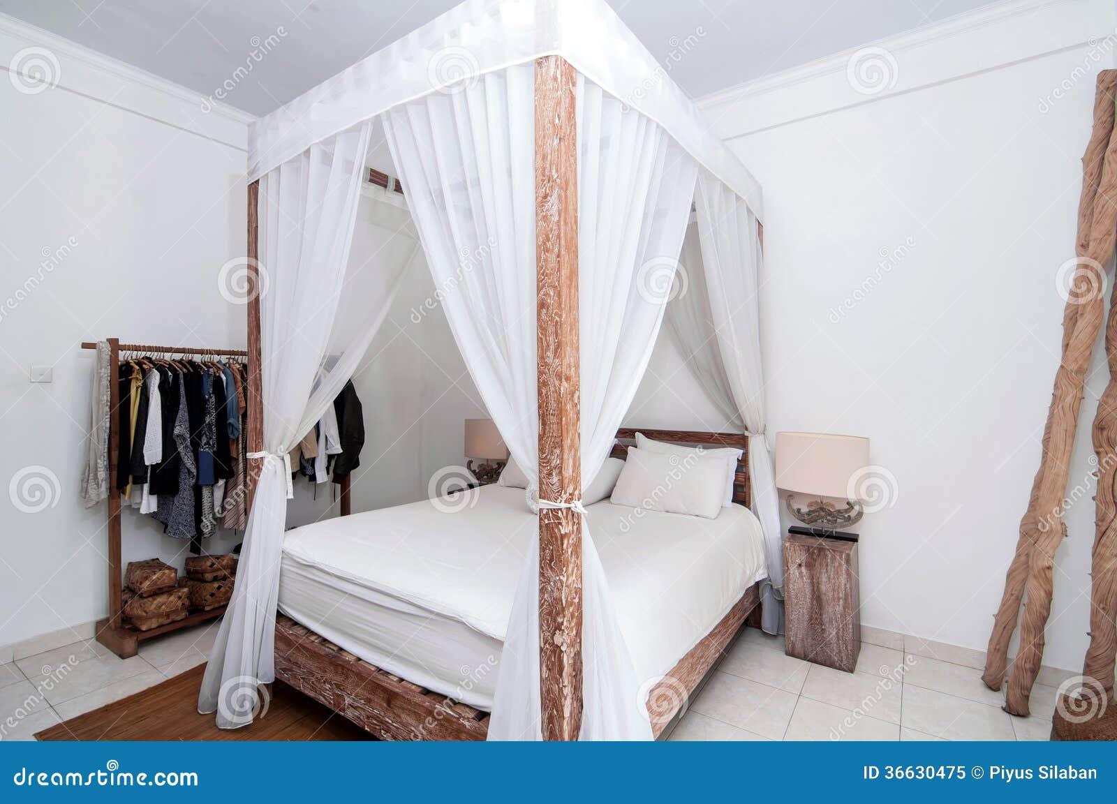houten slaapkamer royaltyvrije stock foto  afbeelding, Meubels Ideeën