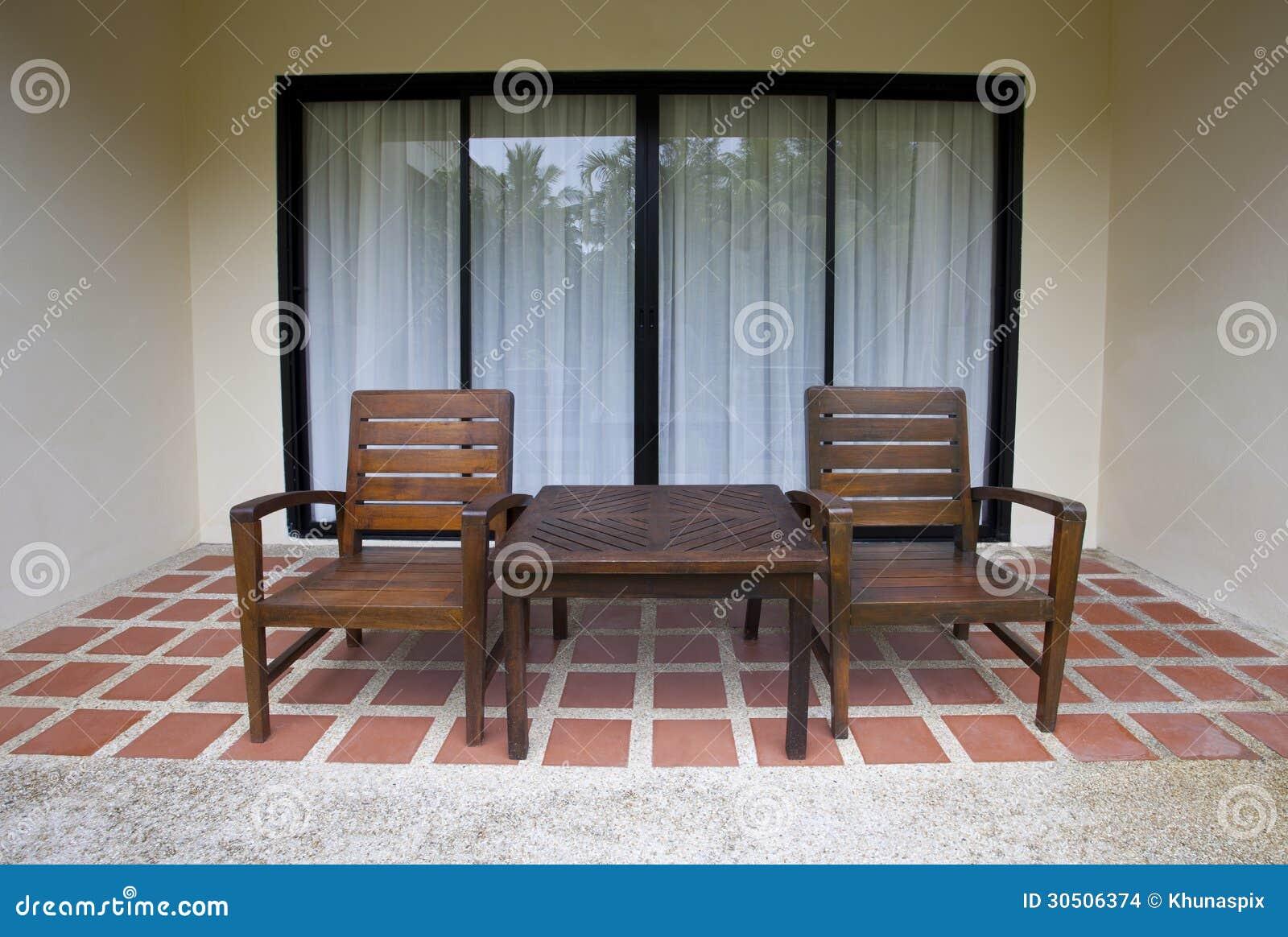 Houten stoelen thuis terras stock afbeeldingen afbeelding 30506374 - Terras hout ...