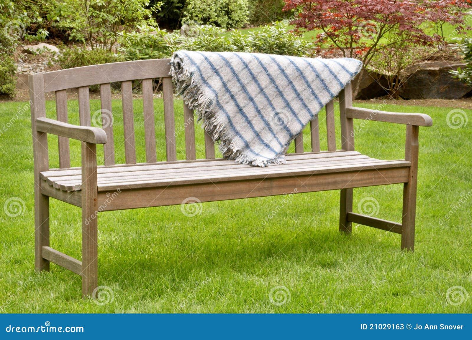 banco de jardim vetor:Wooden Garden Bench