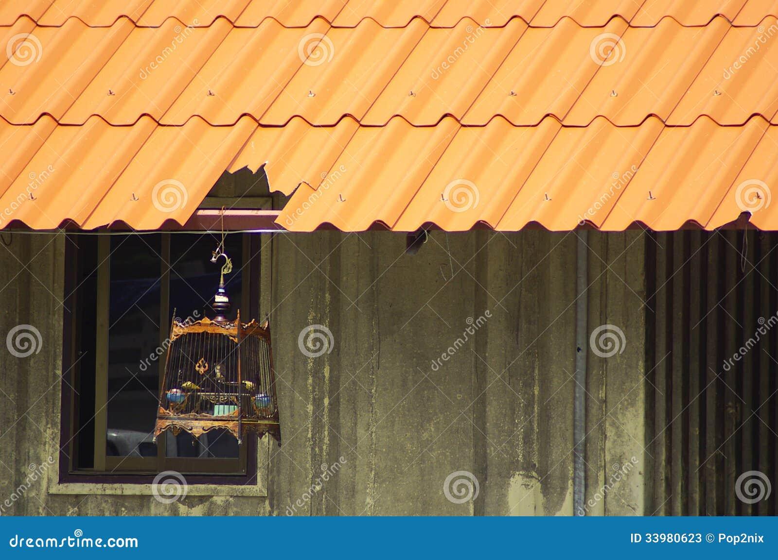 Vogelkooi In Huis : Houten bordjes met vogelkooi marktplaza