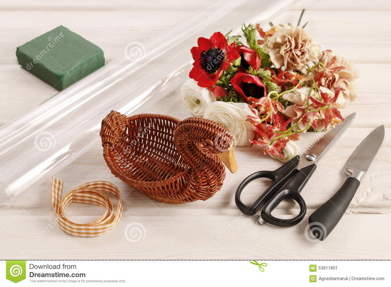 How To Make Bouquet Of Flowers In Wicker Goose Stock Image Image