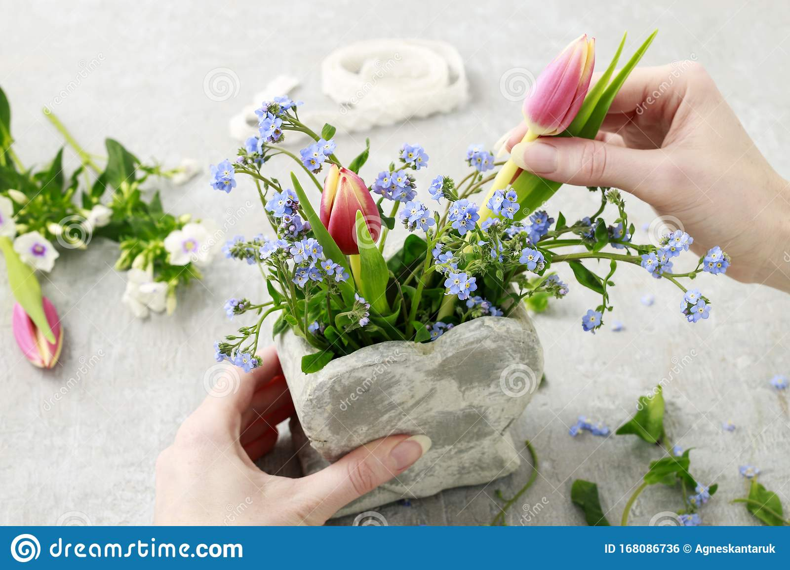 How To Make Floral Arrangement Inside Stone Heart Vase Stock Photo Image Of Feelings Daisy 168086736