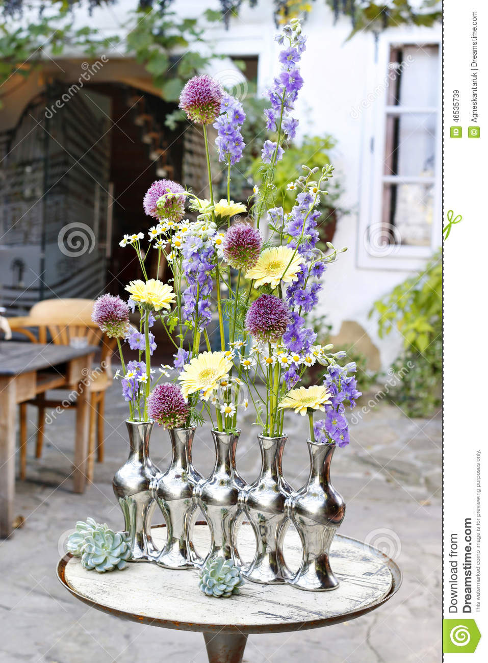 How To Make Floral Arrangement In Silver Vase Stock Image