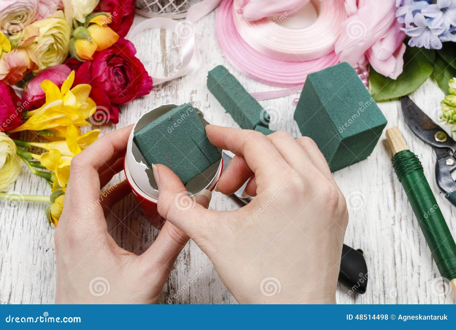 Comment Faire Un Bouquet De Roses how to make spring bouquet of flowers in goose egg shell