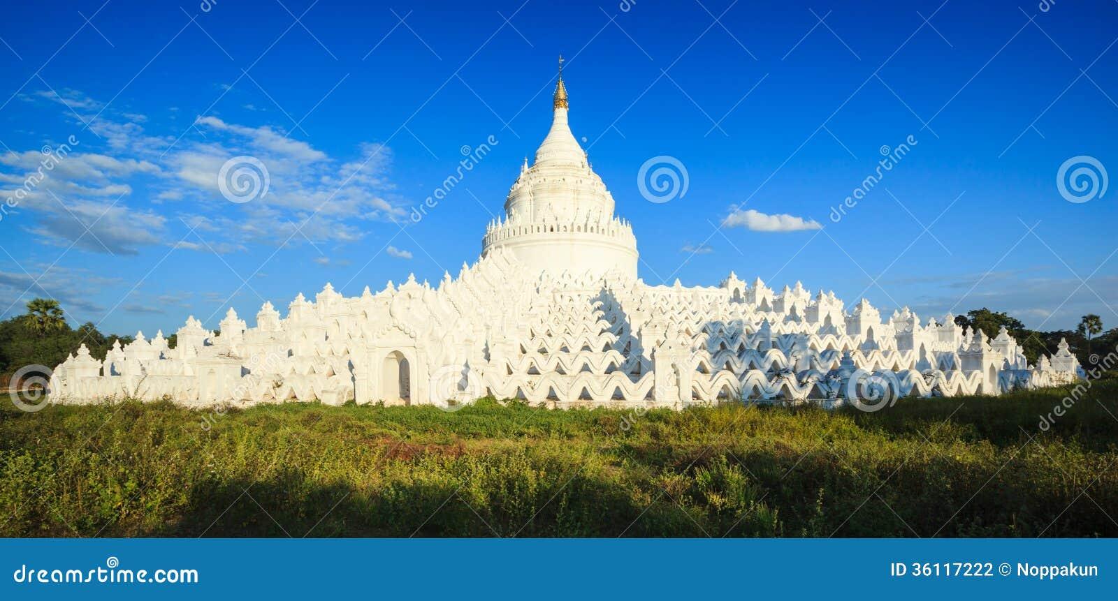 Hsinbyume塔, Mingun,曼德勒,缅甸全景