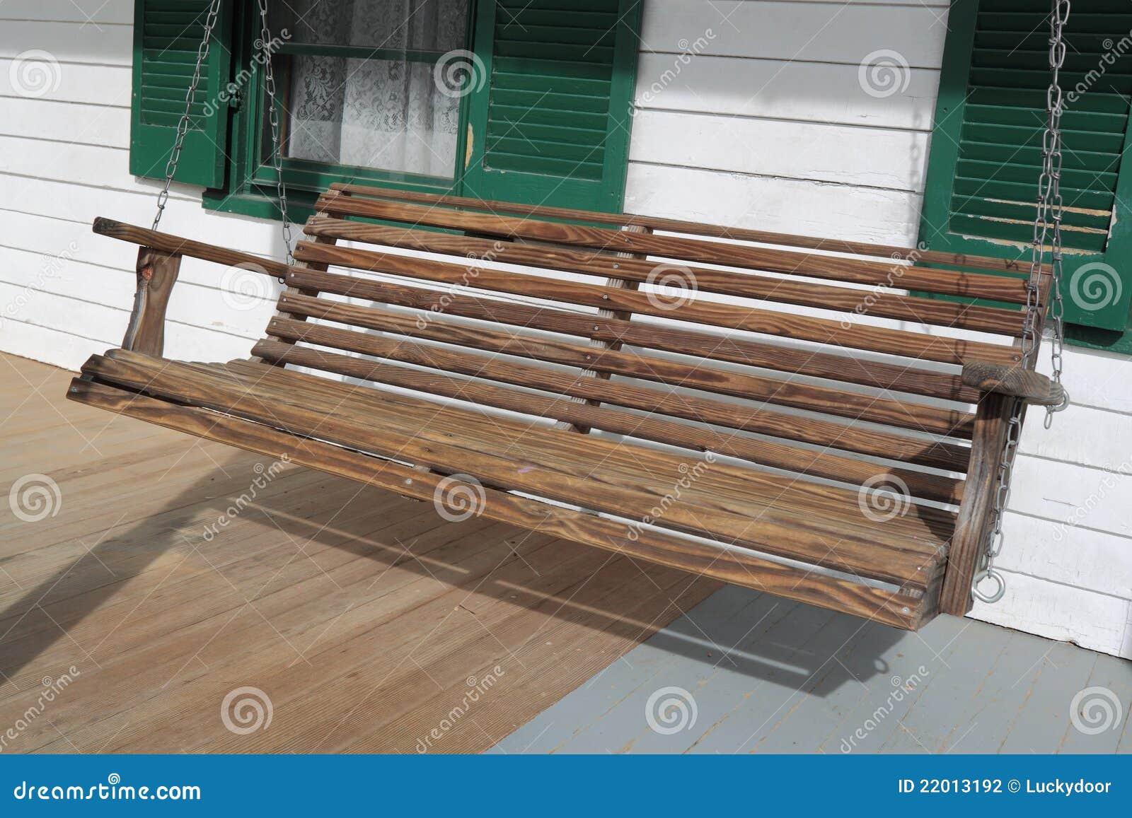 Huśtawkowy drewniany