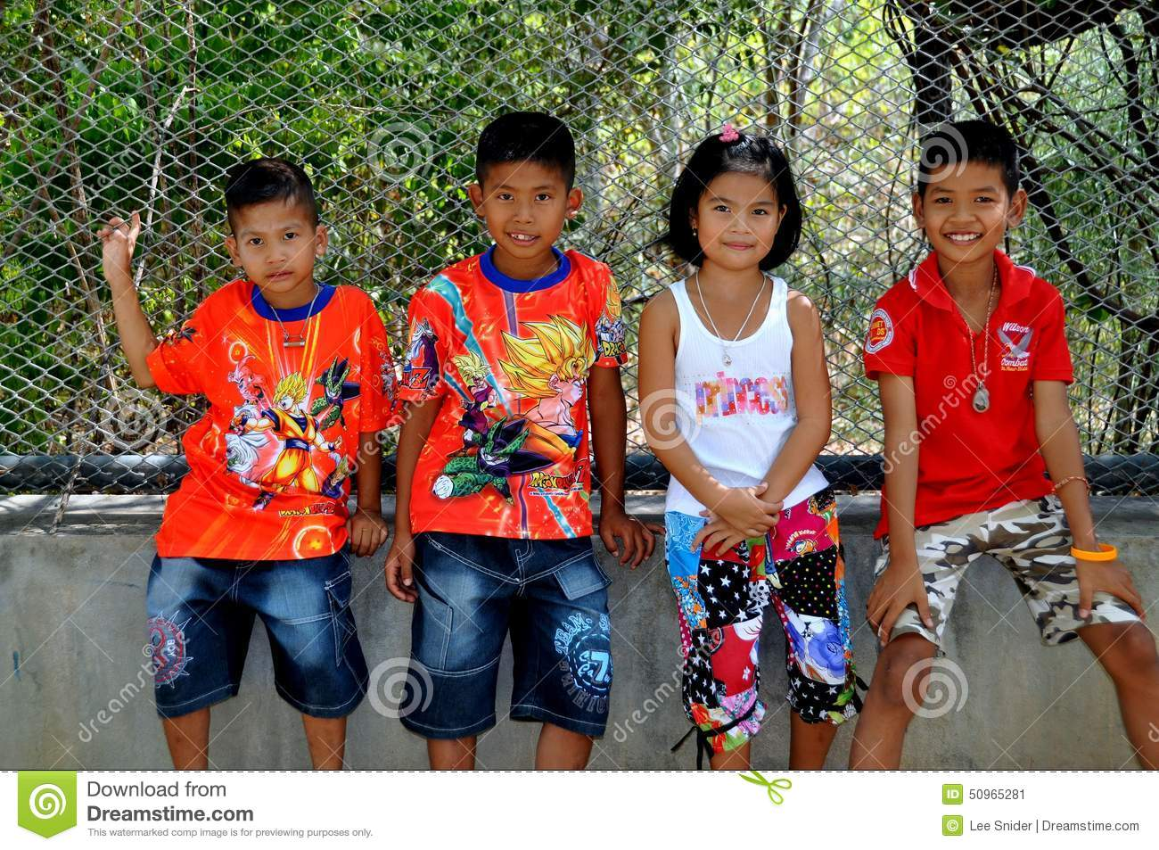 Thailand Kinder Briefe : Hua hin thailand four thai children editorial photo