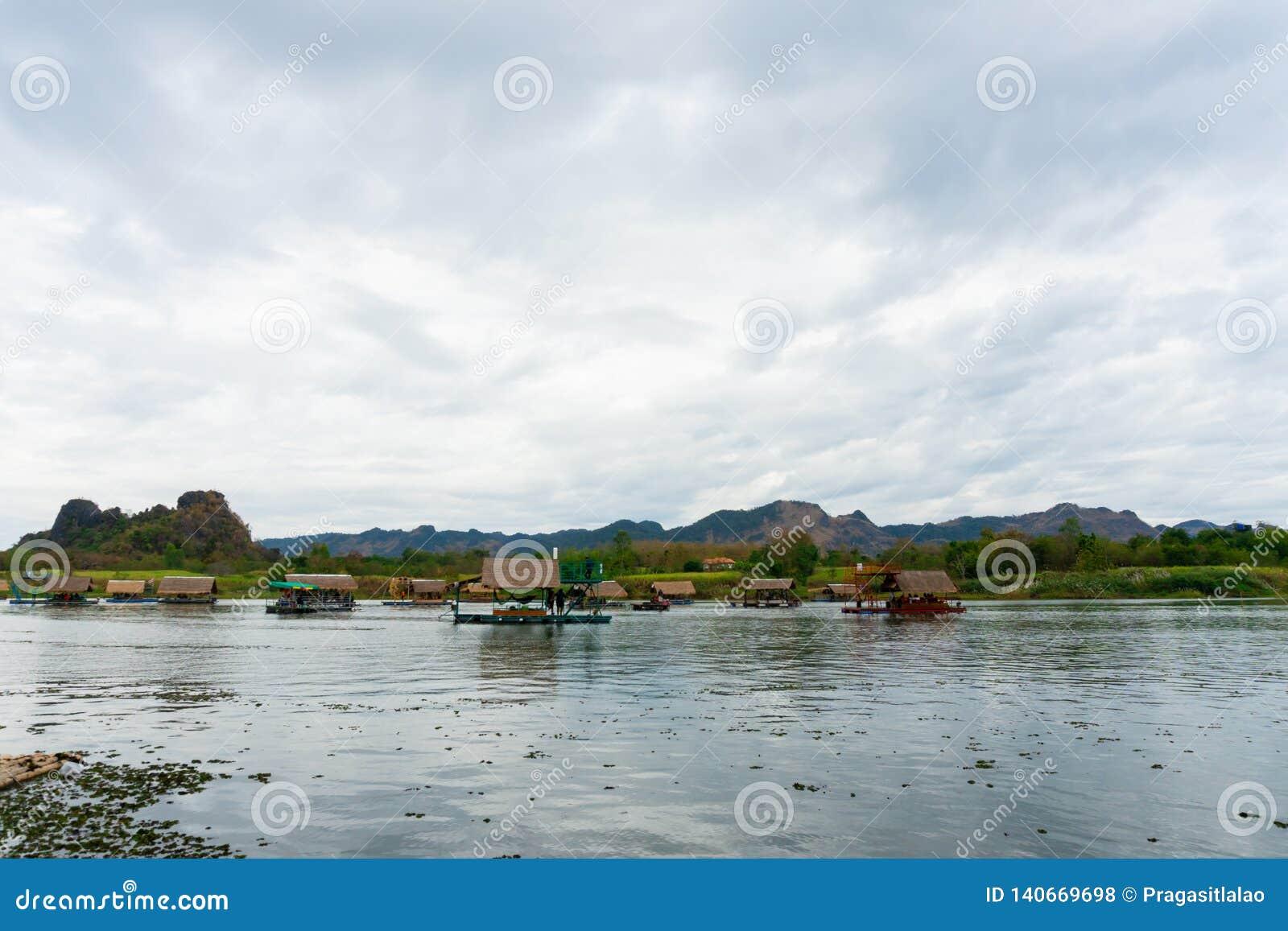 Huai Muang, озеро Таиланд с домом шлюпки место ослабить