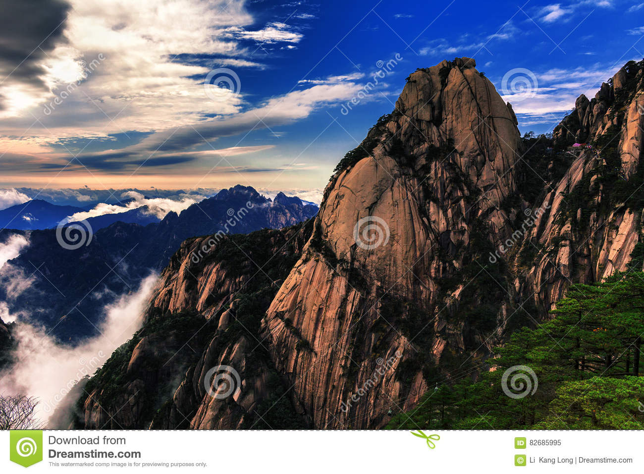 This is a famous tourist attraction in Huangshan, Anhui Province.
