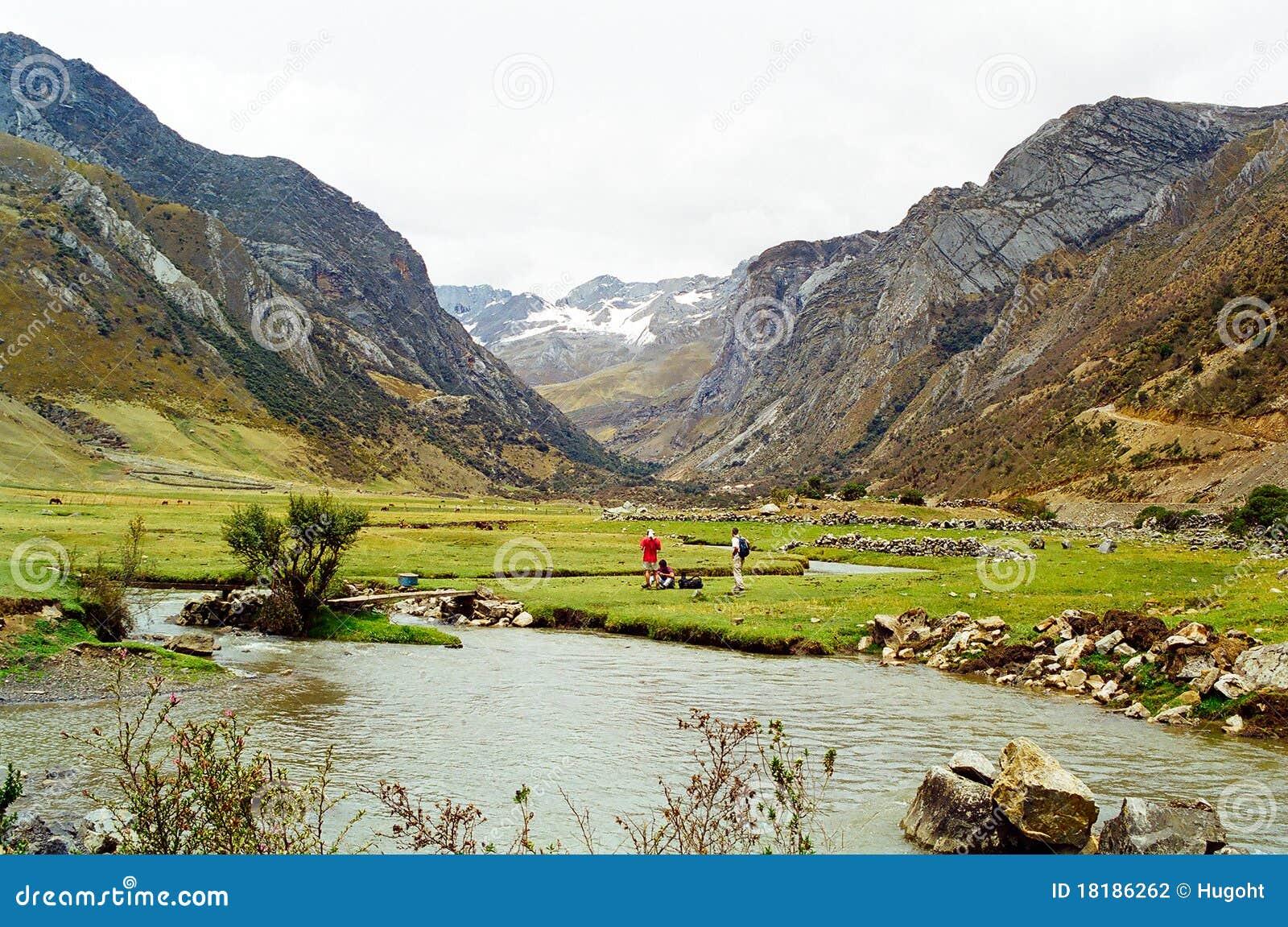 Huayhuash秘鲁牛拉车旅行