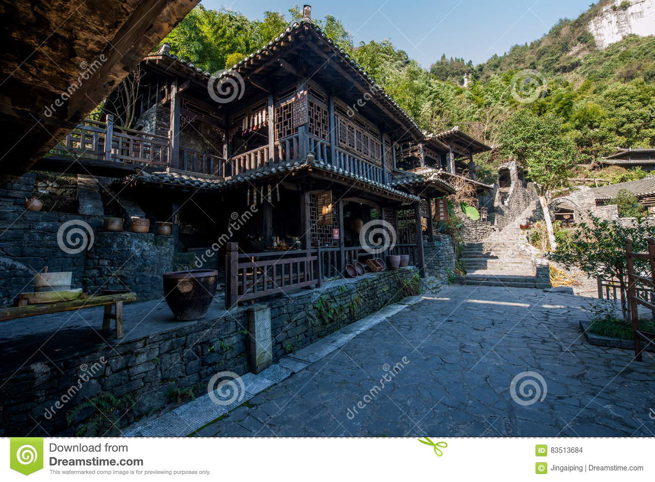 Hubei Yiling Yangtze River Three Gorges Dengying Xia in the `Three Gorges people` Ba Wang cottage