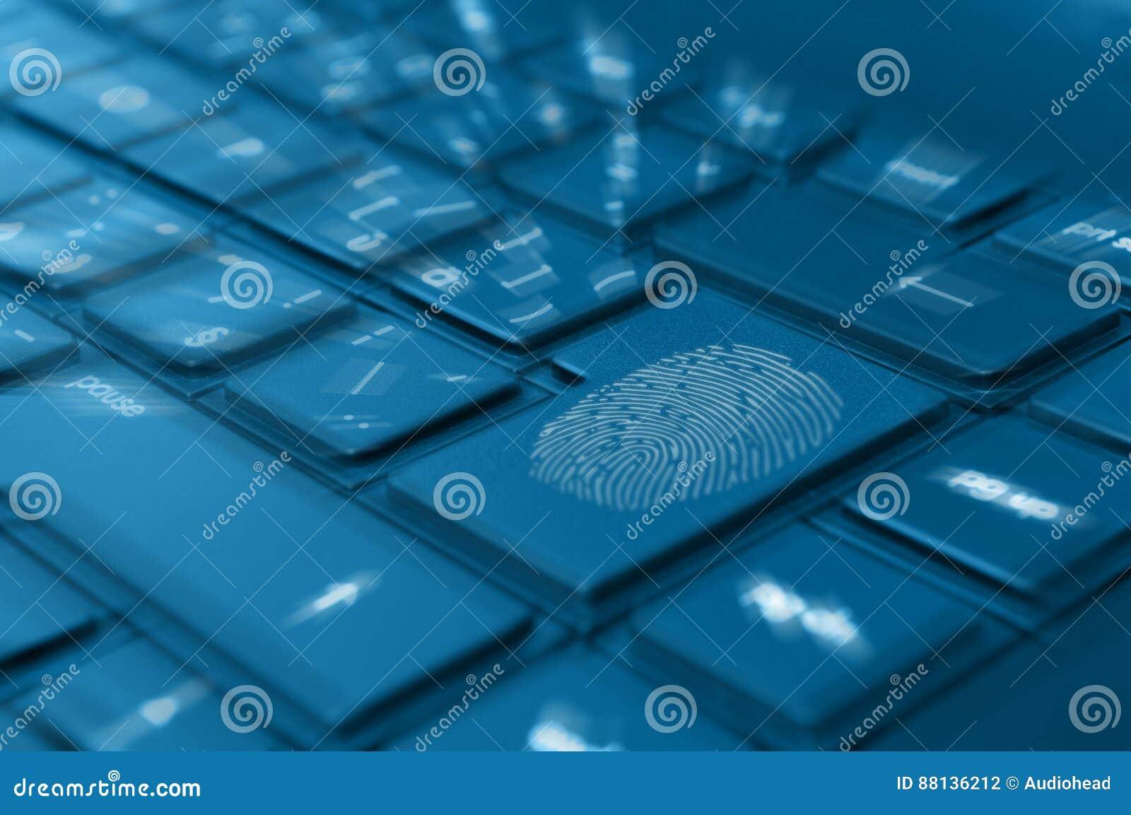 Huella dactilar en el teclado del cuaderno